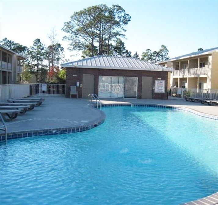 Dolphin Villas 2 Bedroom 2 Bath Condo 1 Mile to Beach